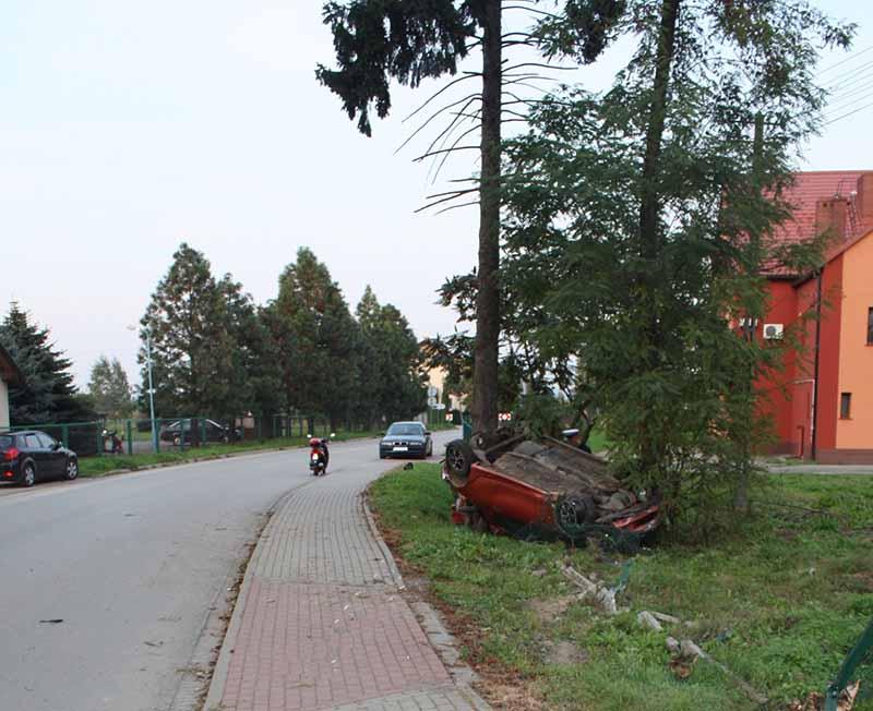 KPP Oświecim Zdjęcia z wypadku drogowego Palczowice 15.09 (1)